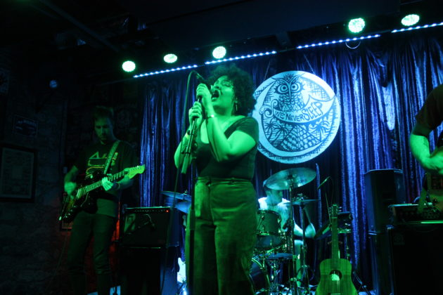 Weaves @ Three Links on 2/17/18 photos by Benjamin Lunday