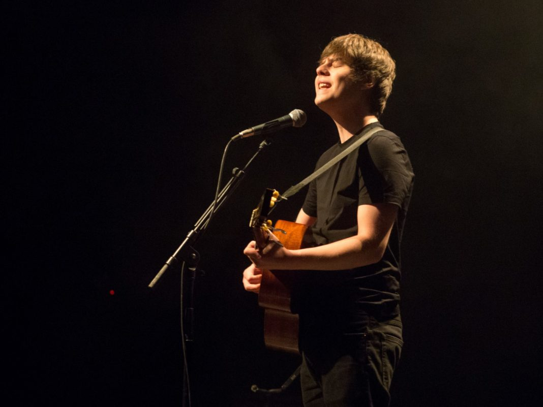 Jake Bugg at Kessler Theater 4/8/18 photo by Roman Soriano